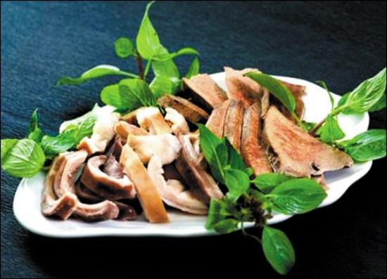 Bao tử heo vừa giòn , giai lại có vị ngọt lại không bị ngán khi ăn còn thích hợp cho cả bữa cơm gia đình .Tuy nhiên có một bất tiện nhiều người hay gặp phải