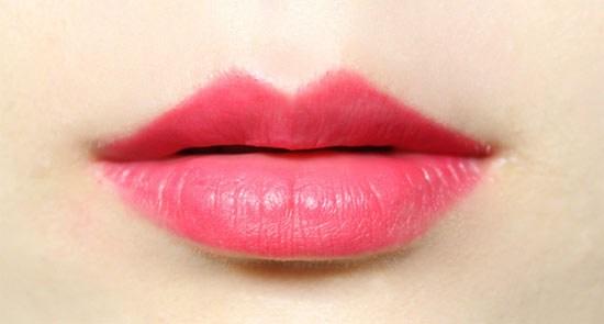 Cách trị thâm môi như thế nào hiệu quả? Là câu hỏi được rất nhiều chị em quan tâm. Đôi môi là bộ phận cực kỳ quan trọng trong cơ thể người. Theo các nhà khoa