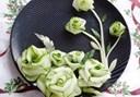 Cách trang trí bằng dưa leo cho món ăn cực ấn tượng