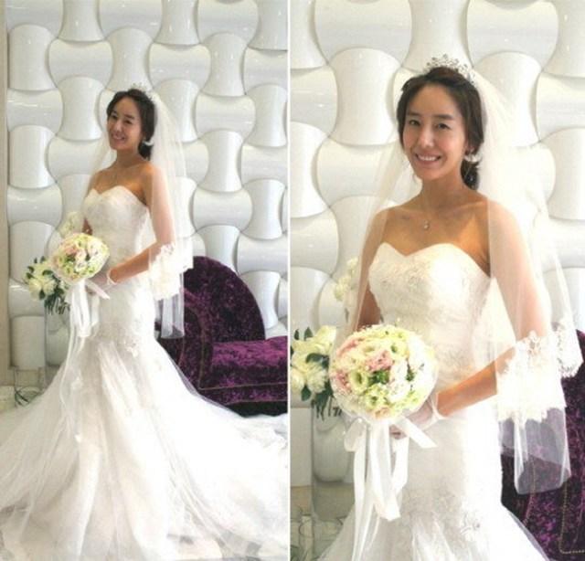 Những hình ảnh đẹp của Yoon Jung Hee trong áo cưới