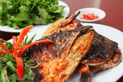 Cá hồi là loại hải sản có gí trị kinh tế vào giá trị dinh dưỡng rất cao. Trong thành phần dinh dưỡng của cá hồi có chứa nhiều chất đạm, chất béo, các loại