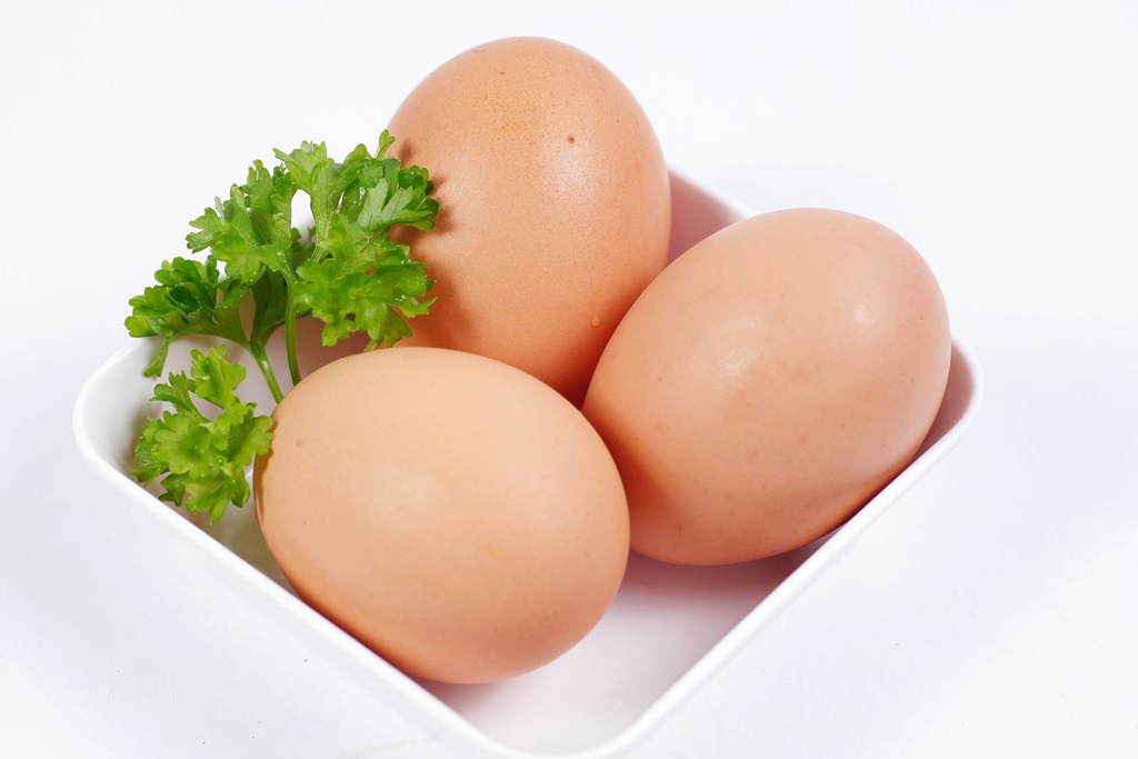 Trứng là một loại thực phẩm phổ biến trong cuộc sống hàng ngày của chúng ta. Trứng có chứa một lượng dồi vitamin các nguyên tố vi lượng, choline, kali,
