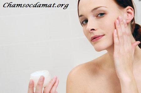 Trên thị trường tràn ngập ngập các sản phẩm kemdưỡng da, tuy nhiên, việc lựa chọnkem dưỡng daphù hợp với làn da của bạn đểchăm sóc dahiệu quả không phải