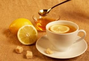 Cách làm đồ uống từ mật ong cho bạn làn da trắng hồng