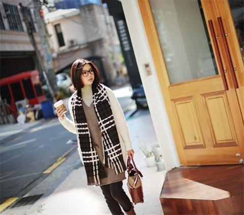 Bí quyết chọn khăn quàng cổ đẹp và cách quàng khăn cá tính